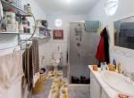 Jennings-Ave-La-Pastora-Santa-Cruz-Bathroom